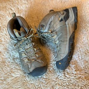 Keen Gypsum Mid Trail hiking boots size 8.5